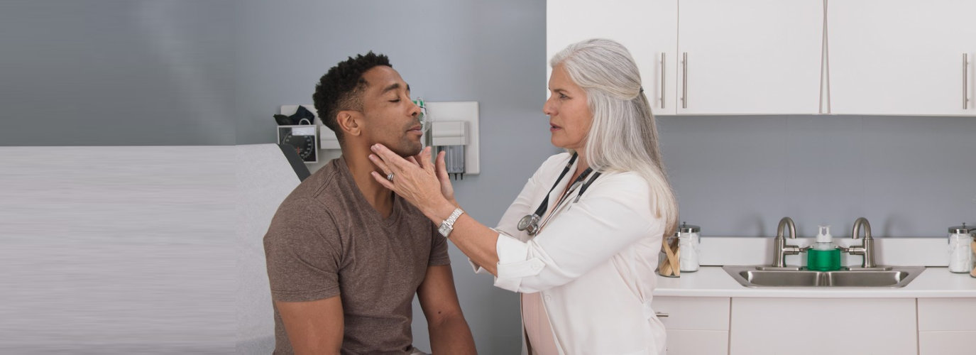 doctor consulting her patient